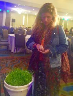 http://curezone.com/upload/Blogs/Your_Enchanted_Gardener/Alex_plants_a_dream.jpg