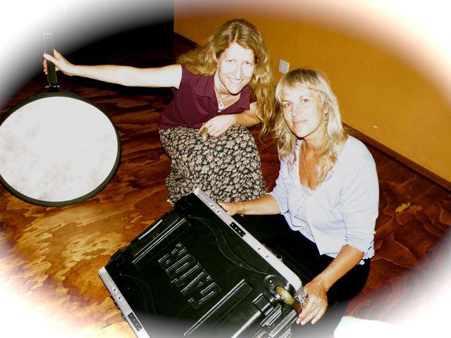 http://curezone.com/upload/Blogs/Your_Enchanted_Gardener/Beth_bolwerk_and_Lynn_Wedekind.jpg