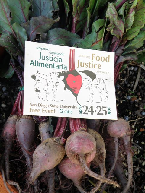 http://curezone.com/upload/Blogs/Your_Enchanted_Gardener/Cultivating_food_justiceconference1.jpg