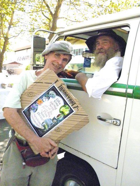 http://curezone.com/upload/Blogs/Your_Enchanted_Gardener/Dave_Krieger_and_Leslie_EG_MOBILE_2013_MEDIUM.jpg