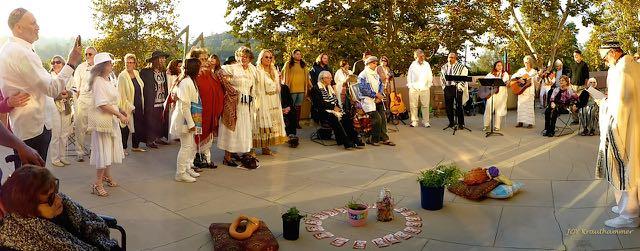 http://curezone.com/upload/Blogs/Your_Enchanted_Gardener/Days_of_Awe_Closing_Ceremony_Medium.jpg