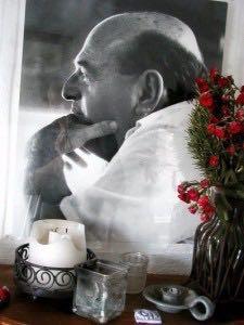 http://curezone.com/upload/Blogs/Your_Enchanted_Gardener/Edmond_Bordeaux_Szekely.jpg