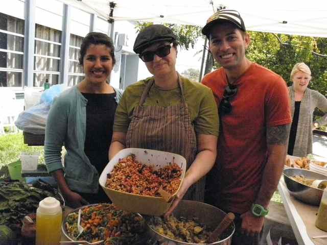 http://curezone.com/upload/Blogs/Your_Enchanted_Gardener/Heather_Weightman_Caravan_sponsor.jpg