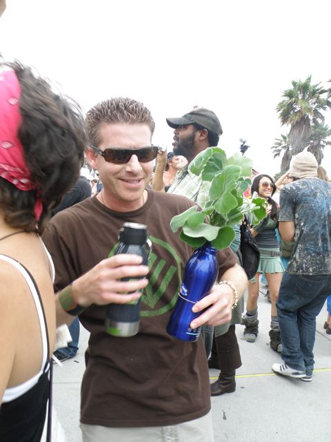 http://curezone.com/upload/Blogs/Your_Enchanted_Gardener/Joey_Mendelsohn_Ech2o.jpg