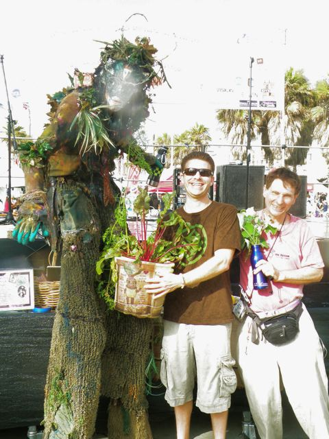 http://curezone.com/upload/Blogs/Your_Enchanted_Gardener/Joey_Mendelsohn_Leslie.jpg