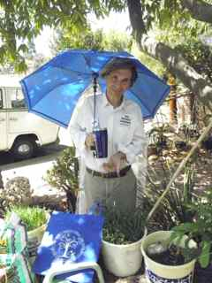 http://curezone.com/upload/Blogs/Your_Enchanted_Gardener/Leslie_Goldman_Your_EG_Planting_Clarity_Simpson_Seed_Library_DOA_commu.jpg