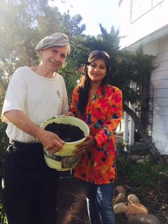 http://curezone.com/upload/Blogs/Your_Enchanted_Gardener/Leslie_and_Shamini_planting_dreams.jpg