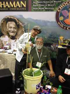 http://curezone.com/upload/Blogs/Your_Enchanted_Gardener/Michael_Besancon_and_Leslie_Goldman_1.jpg