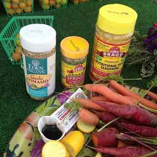 http://curezone.com/upload/Blogs/Your_Enchanted_Gardener/Sampling_at_the_Hillcrest_Farmers_Market.jpg
