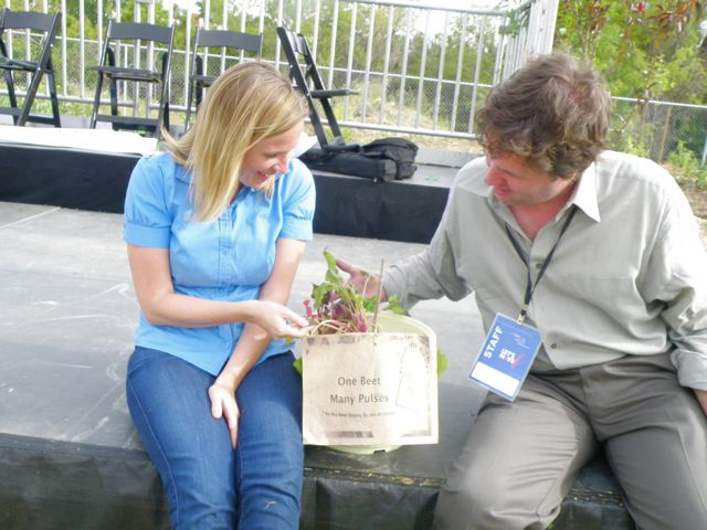 http://curezone.com/upload/Blogs/Your_Enchanted_Gardener/allison_Mike1.jpg