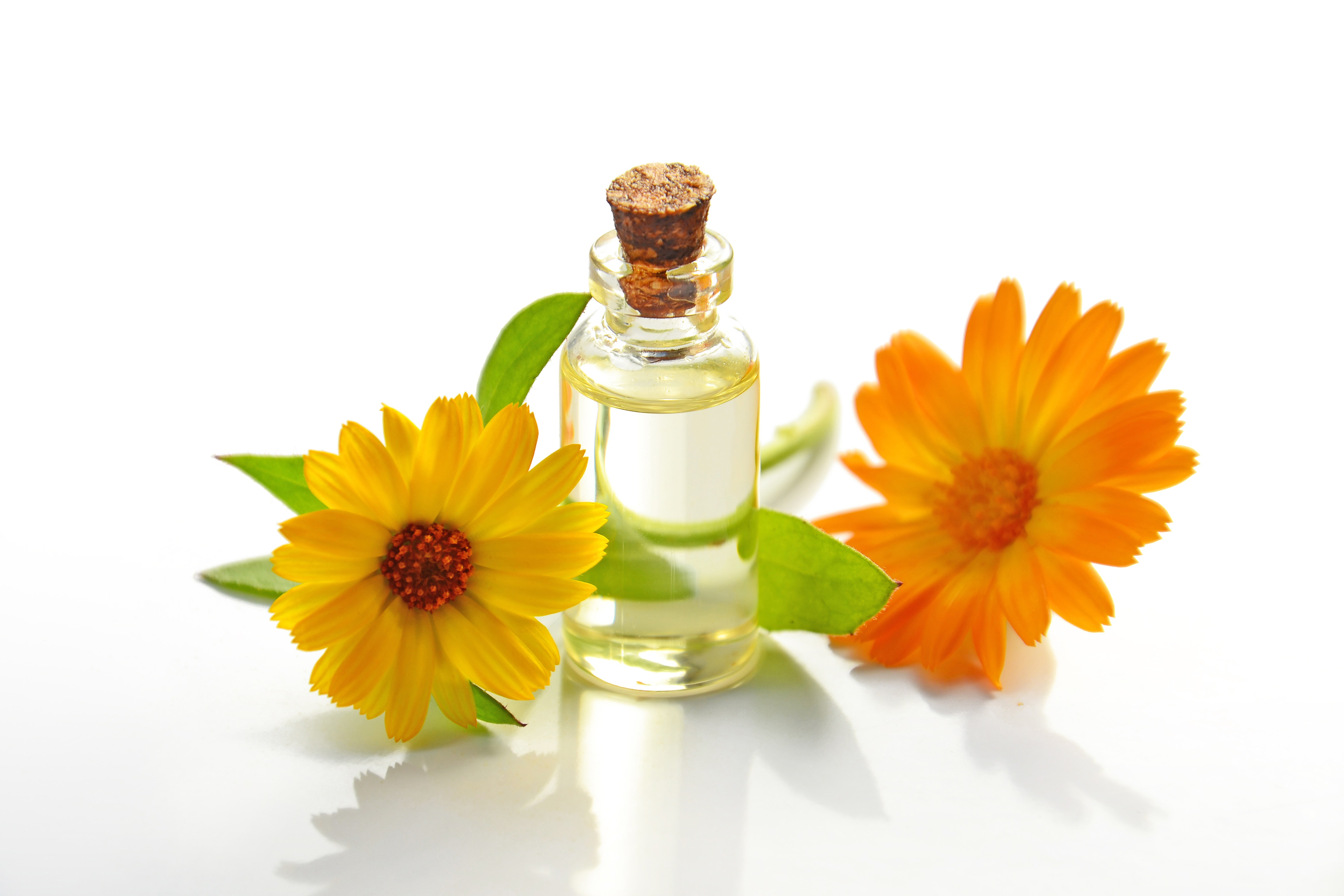 aromatherapy bottle bright 932587