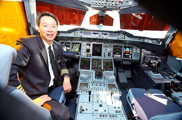 Airbus A380 Cockpit and pilot