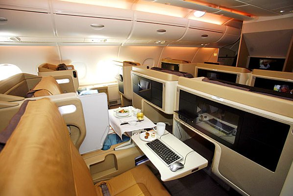 Airbus A380 First Class Office ... (Click to enlarge)