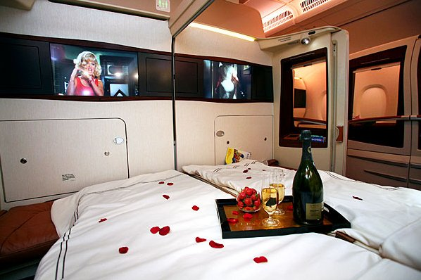 Airbus A380 Private Room ... (Click to enlarge)