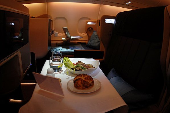 Airbus A380 Restaurant ... (Click to enlarge)