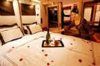 Airbus A380 Breakfast in bed ... (Click to enlarge)