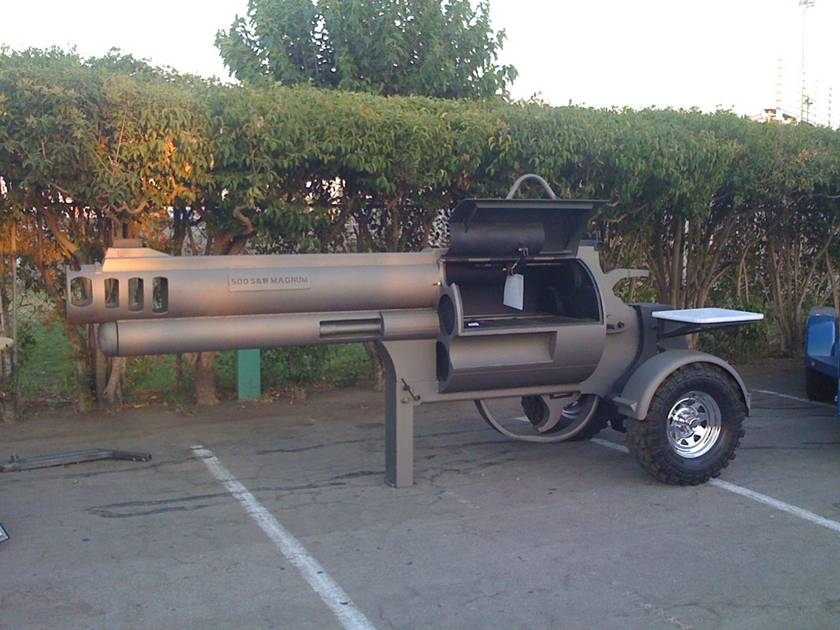 Son of a gun Grill ... (Click to enlarge)