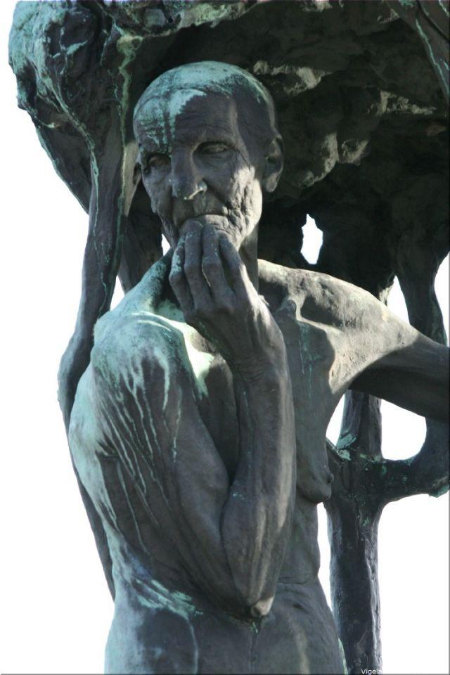 08 Vigeland Sculpture Park part of Frogner Park Oslo 2007 202