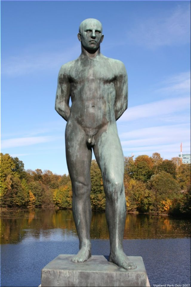 Vigeland Sculpture Park part of Frogner Park Oslo 2007 021