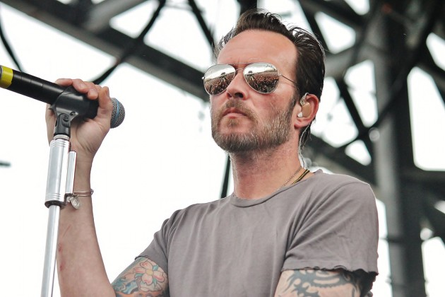 http://curezone.com/upload/_A_Forums/Ask/Scott_Weiland_and_the_Wildabouts_37_630x420.jpg