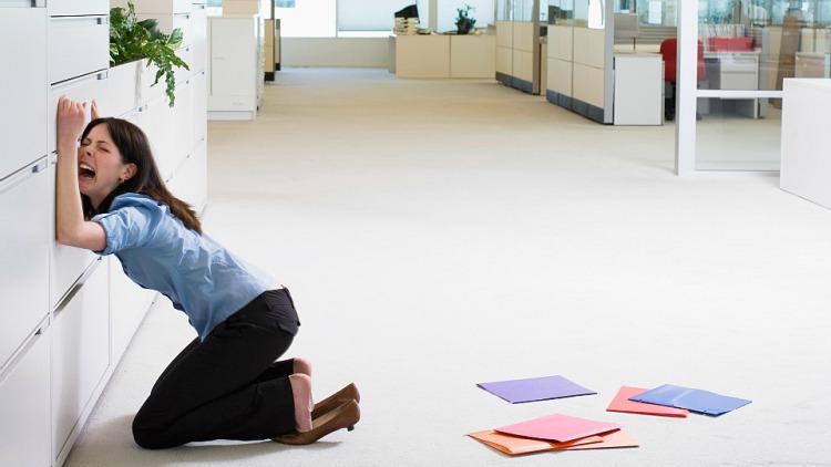 https://www.curezone.org/upload/_A_Forums/Ask/burnout_woman.jpg