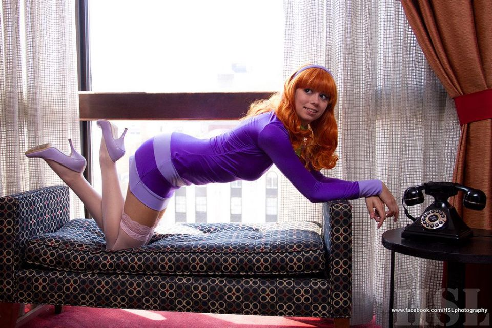 https://www.curezone.org/upload/_A_Forums/Ask/daphne_blake_cosplay_by_uncannymegan_daiiw95.jpg