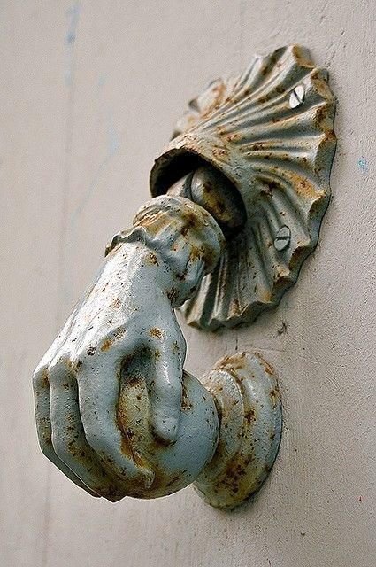 https://www.curezone.org/upload/_A_Forums/Ask/deb94b7166f513061975f37ce52c5906_antique_doors_vintage_doors.jpg