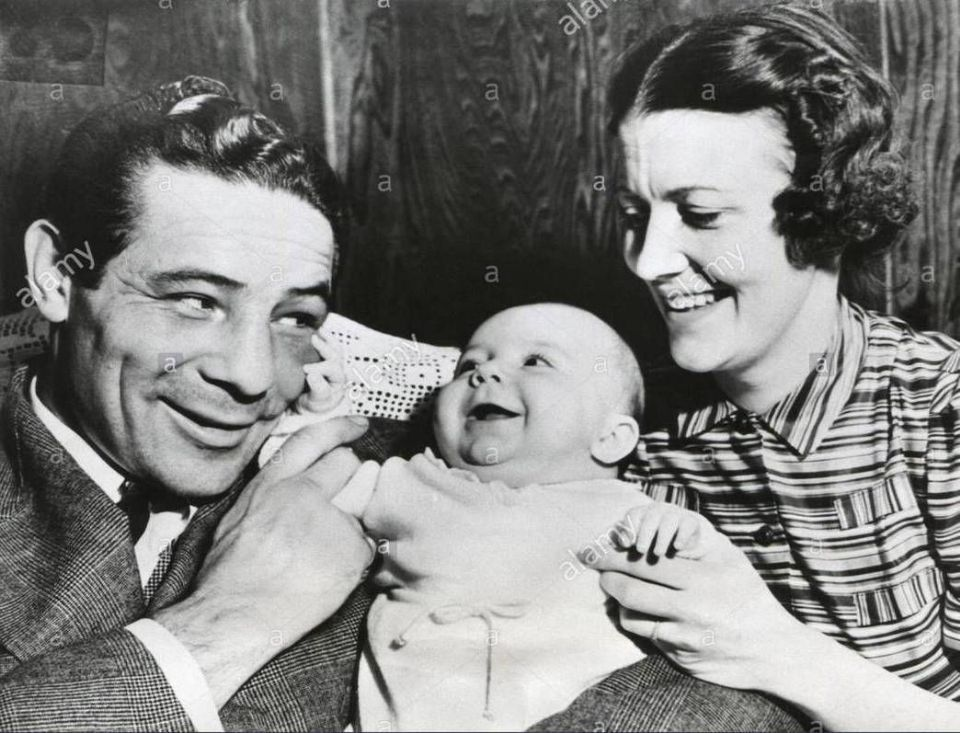 http://curezone.com/upload/_A_Forums/Ask/max_baer_with_his_wife_mary_ellen_sullivan_and_max_baer_jr_on_march_F2.jpg