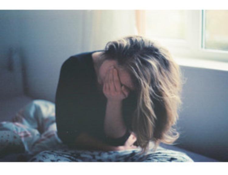 sad tumblr girl
