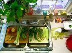 Preparing green juice feast - Pepe Paban