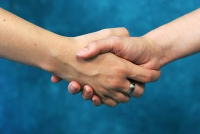 https://www.curezone.org/upload/_U_V_W_Forums/Webmaster/people_handshake.jpg