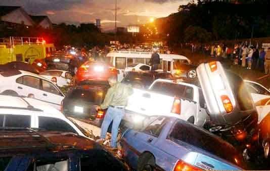Cars Multiple Crash Total Mess